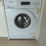 Freestanding washer dryer